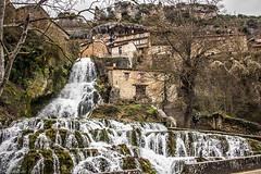 Orbaneja del Castillo-Burgos- (Charo R.) Tags: cascada pueblo orbaneja del castillo burgos canon naturaleza