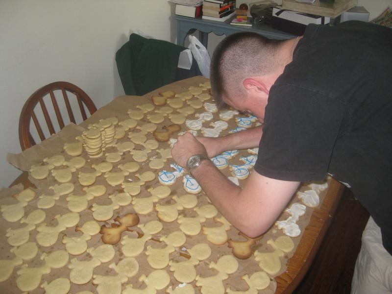 David icing cookies