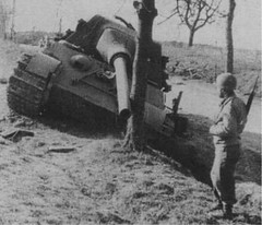 DMP-D945 GERMAN JAGDTIGER DESTROYED (damopabe) Tags: wwii german destroyed spg jagdtiger