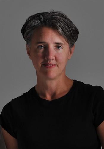Dr Leslie Hill