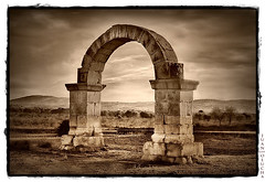 Arco Romano/Cabanes (Juan Olucha) Tags: sky sepia vintage olympus cielo zuiko 43 cabanes e500 abigfave arcoromano platinumphoto theunforgettablepictures great123 juanolucha