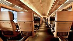 IC, 1. Klasse (HDR) (jmtosses) Tags: wood leather train ic nikon d2x sigma db moo publicblog deutschebahn holz bahn 1020 hdr leder intercity nikond2x sigma1020