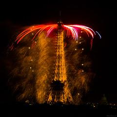 Fireworks  -  Paris  -  Eiffel Tower (AlainBadoual) Tags: paris france tower beautiful europe tour fireworks eiffel 75007 feuxdartifice digitalcameraclub 5photosaday abigfave flickraward platinumheartaward theperfectphotographer goldstaraward flickrlovers hairygitselite travelsofhomerodyssey