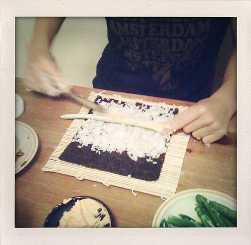 applying rice to nori