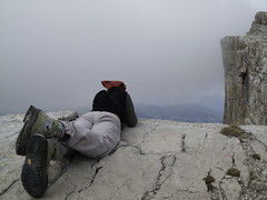 Staring at the void on Heiligkreuzkofel (Sass dla Crusc) - Dolomiti
