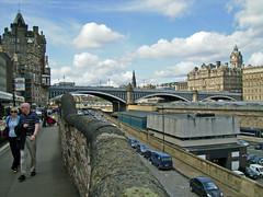 Edinburgh's bridge (Rubn Hoya) Tags: uk bridge puente hotel scotland edinburgh united kingdom escocia gran edimburgo balmoral reino unido bretaa scotlanda