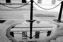 foto (varagnolomauro) Tags: white black nikon bianco nero trieste riflesso d300 pozzanghera paletto shotsts flickraward