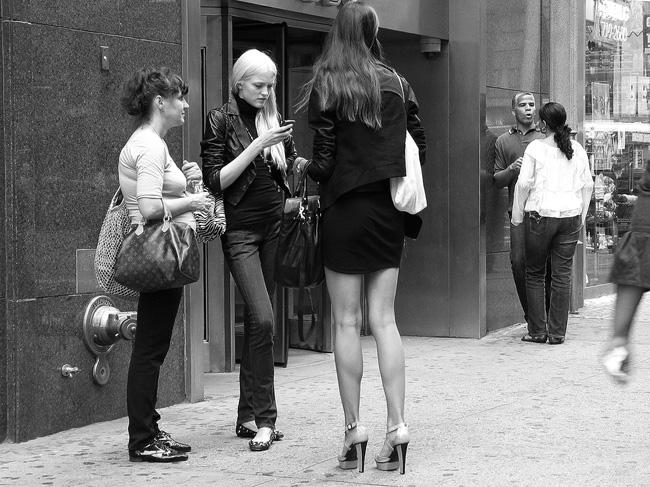 Model, Sixth Avenue