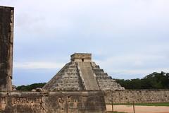 Chichén Itzá (Luis R.) Tags: mexico maya yucatán mayan archeology chichéniztá Camera:Maker=canon Camera:Model=eos40d geo:lat=20671024 geo:lon=88572056
