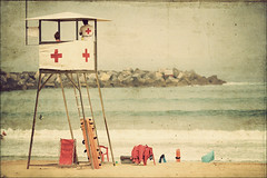 San Sebastian - Baywatch (Manlio Castagna) Tags: red texture beach spain cross sansebastian manlio redcross texturized manliocastagna manliok