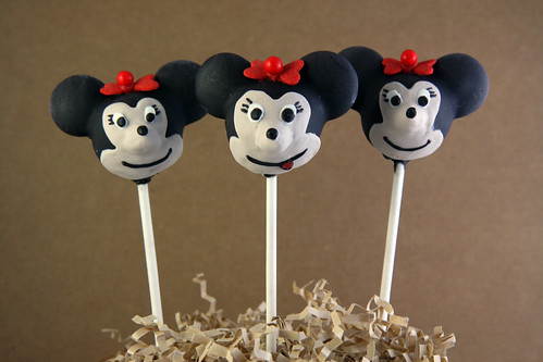 Mickey Mouse Clubhouse Cake Pops 13