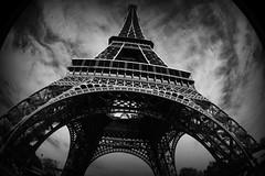 EiffeL B&W (RominikaH) Tags: sky paris france blackwhite toureiffel torreeiffel francia rominikah