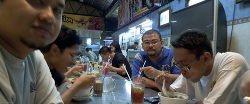 090525 Post Badminton Makan (by Haris Abdul Rahman)