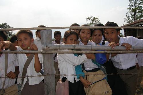 130.Don Daeng的小學生們 (15)