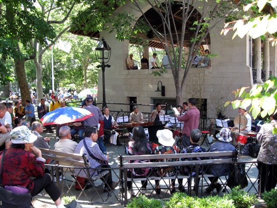 Musicians and Crowd in Columbus Park (Click to enlarge)