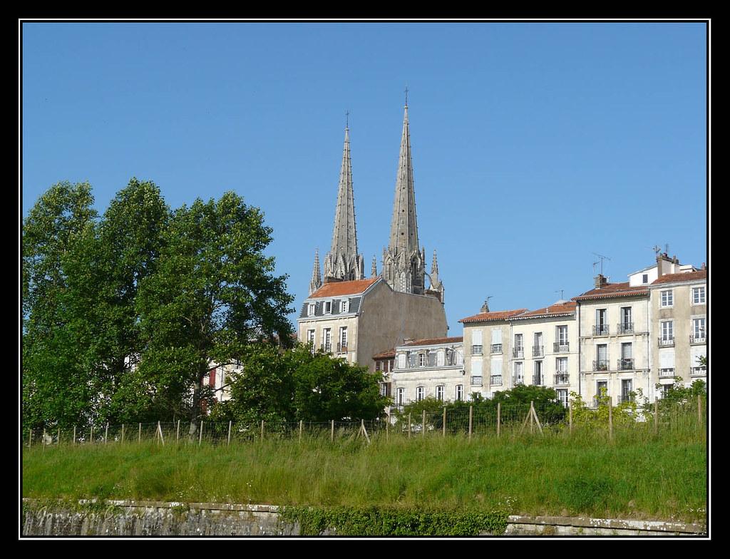 Bayona. Agujas de la catedral