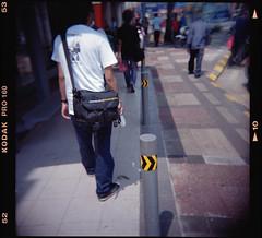 Wandering at Chow Kit Road (khai_nomore) Tags: street 120 film negative scanned kualalumpur chowkit rm f13 jalantuankuabdulrahman meduimformat 2400dpi holga120gn koda