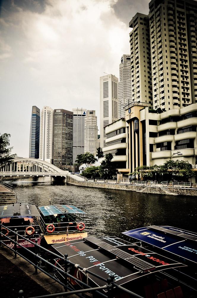 Параходик на Singapore River