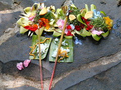 offerings (sarsifa) Tags: travel bali colors indonesia reisen farben offerings opfergaben