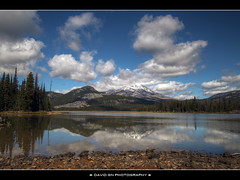 Sparks Lake, Oregon 2 - HDR (David Gn Photography) Tags: sky mountains clouds oregon reflections landscape pacificnorthwest hdr southsister sparkslake cascadelakes photomatix platinumheartaward rayatkesonmemorialtrail sigma1020mmf35exdchsm platinumpeaceaward canoneosrebelt1i davidgnphotography
