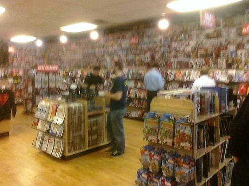 Ptw Midtown Comics - Nice store.