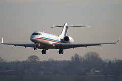 VP-BOK - Private - Bombardier BD-700-1A10 Global Express - Luton - 090311 - Steven Gray - IMG_0898