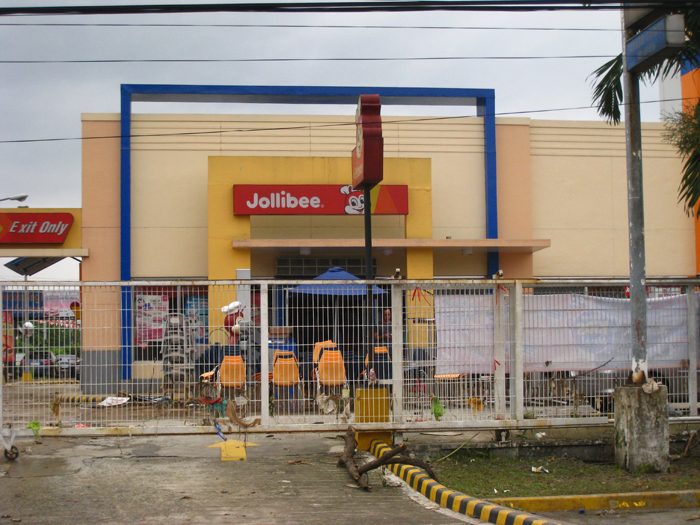 Jollibee After Typhoon Ondoy