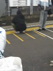 西船橋駅の座り込み