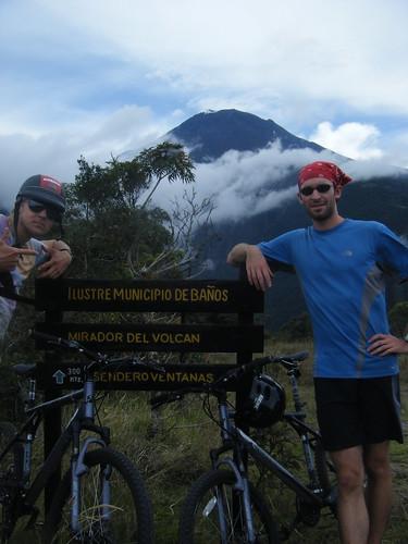Vista de Tungurahua arriba de Baños