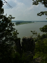 Rocks from overlook (sfgamchick) Tags: statepark river illinois mississippiriver savanna illinoisstatepark mississippipalisades mississippipalisadesstatepark