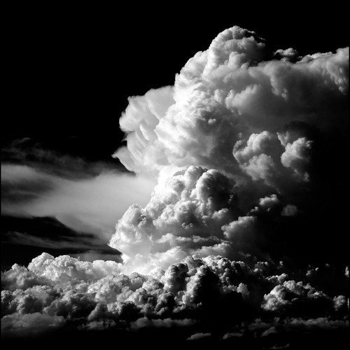 The awesome drama of storms in black and white 18 powerful images