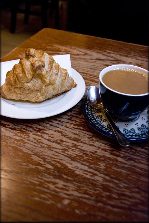 croissant-coffee