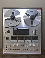 Reel to reel ((The) Appleman) Tags: music steve electronics recorder reeltoreel tapeplayer stereocomponent