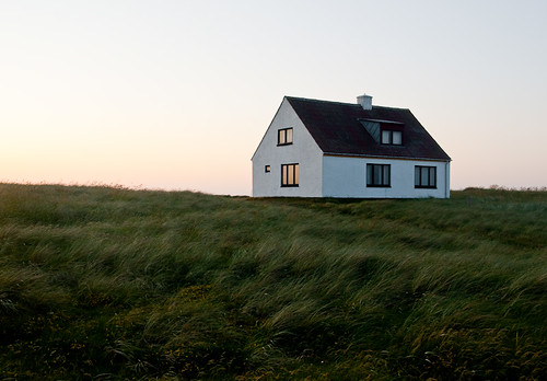 Bildresultat för ensamt hus