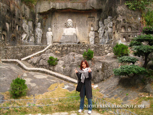 nicole and leshan grand buddha statue 2