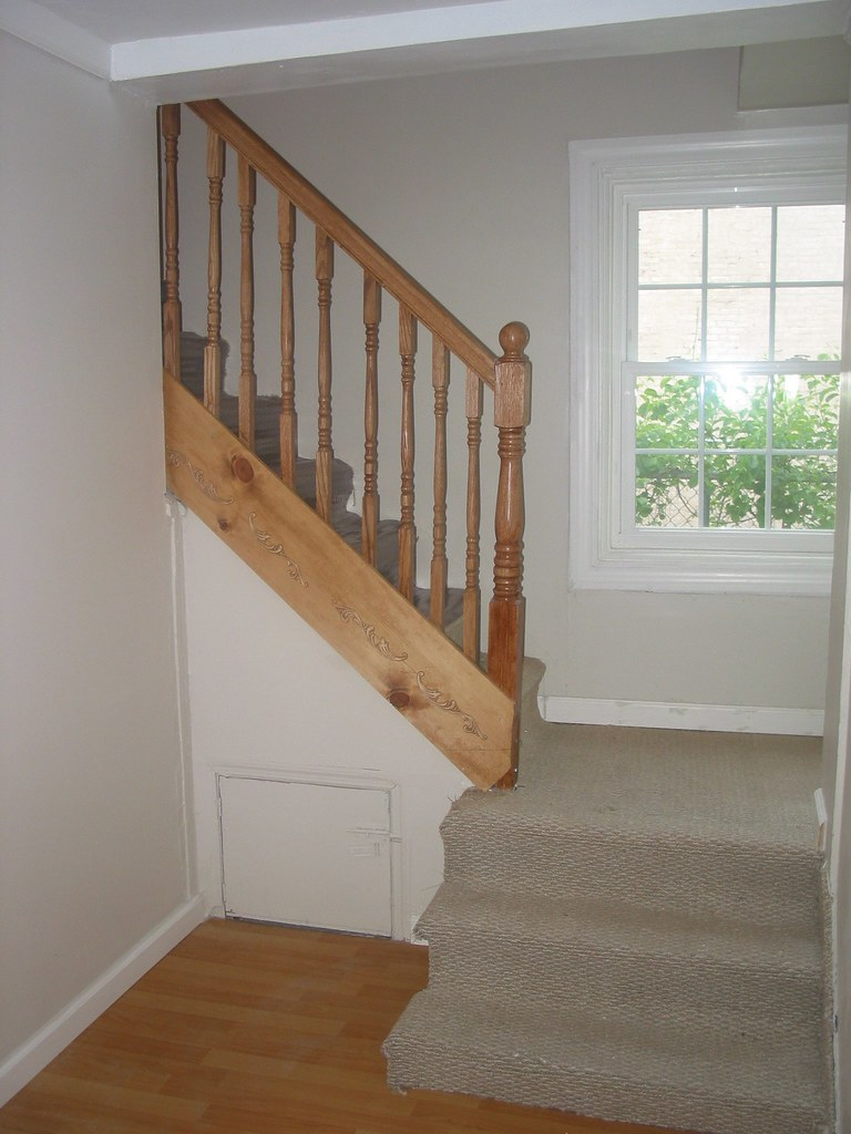 NEW Staircase & Carpeting