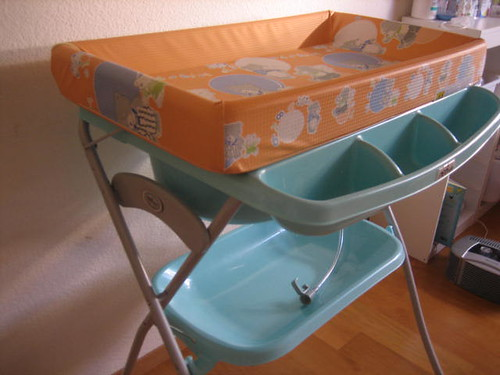 Changing Table with Bathtub -  50CHF