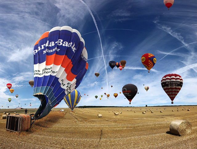 Last landing (for me) at Hot-air Balloon festival, Chambley , France