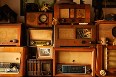 (goutmoment) Tags: old yellow radio vintage gold restaurant still warm indoor retro stereo radios polak gettypoland1