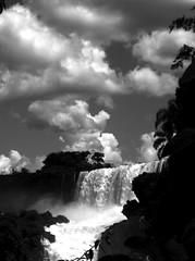 Cataratas de Iguazu 2005 (Norma Gladys Guastavino) Tags: park parque bw argentina photo foto pb falls bn national waterfalls cataratas nacional iguazu misiones iguazú
