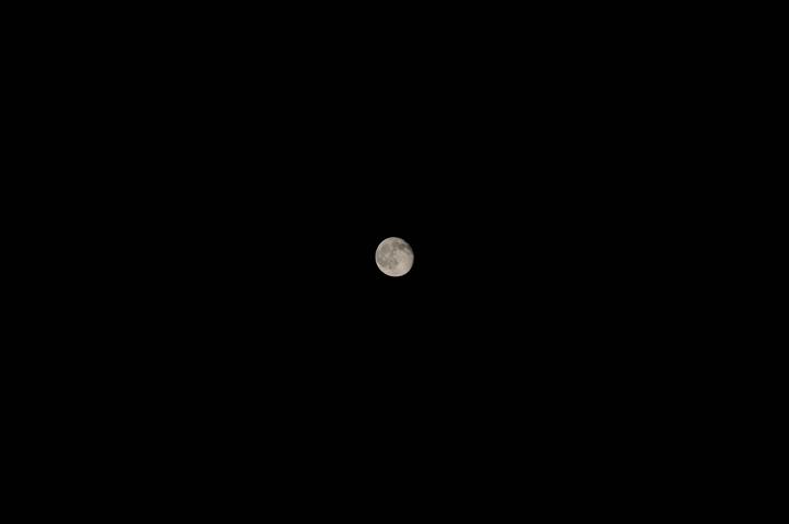moon_3058 web