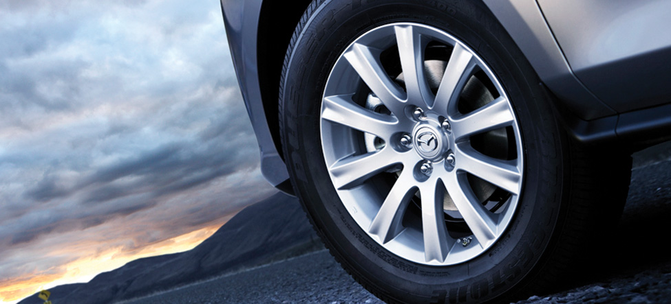 Stylish, lightweight aluminum-alloy wheels Mazda CX-7