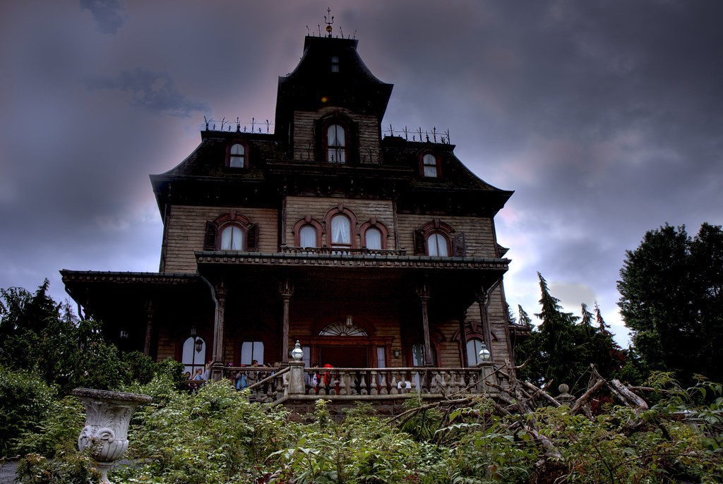 Phantom Manor - Dysneyland Paris by Eric Borda, on Flickr