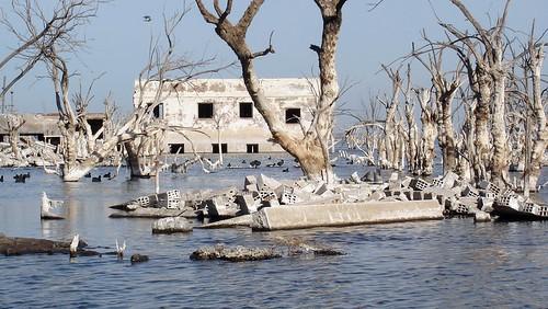 25年間水没していた街「ヴィラ・...