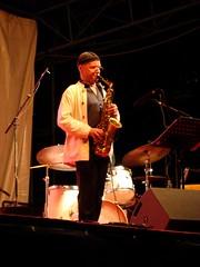 Jef Sicard (astroJR) Tags: music concert jazz lo fte sax 2009 saxophone musique jazzmusicians sicard presles lutteouvrire ftedelo ftedelutteouvrire jefsicard ftedelo2009
