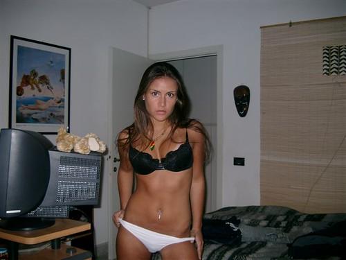 go without boobs bra size pics: womeninbras