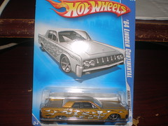 '64 Lincoln Continental by Hotwheeels - Error on the Blister pack (Wrong Color) (Kucevic1) Tags: color cars by toy error continental 64 wrong pack lincoln blister diecast hotwheeels