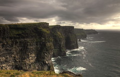 Cliffs of Moher (I), Ireland (g_heyde) Tags: ireland doolin irland cliffs atlantic cliffsofmoher atlanticocean moher countyclare ire aillteanmhothair platinumheartaward rubyphotographer 5dmkii saariysqualitypictures