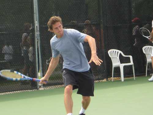 Igor Andreev's forehand at Stade Uniprix