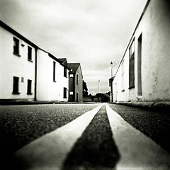 Double Yellow (Parcelpacker) Tags: film holga hilary hp5 flickrmeet redruth grot autaut